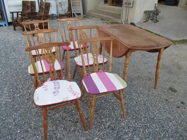 Drop Leaf Dining Table & 6 Chairs
