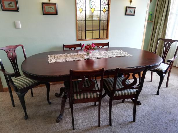 Mahogany 6 seater Dining Table