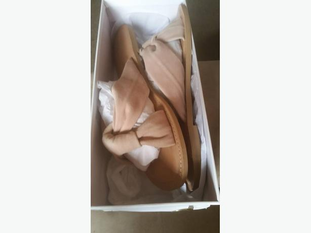 PRICEDROP!!!! Womans brand new Max slip ons size 10