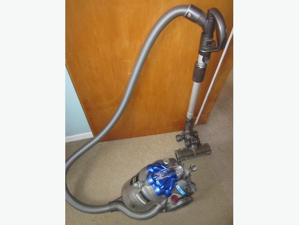 DYSON DC19B Vacuum cleaner