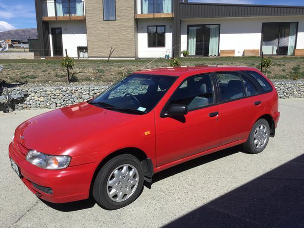 Nissan wagon