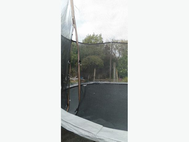 16 ft trampoline