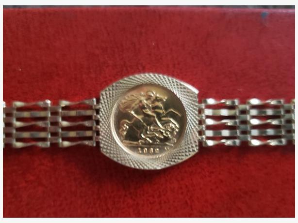 1982 Half Sovereign bracelet