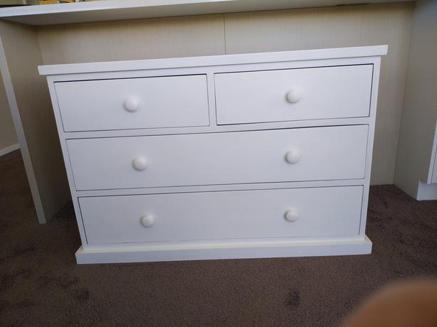 Lowboy-=drawers