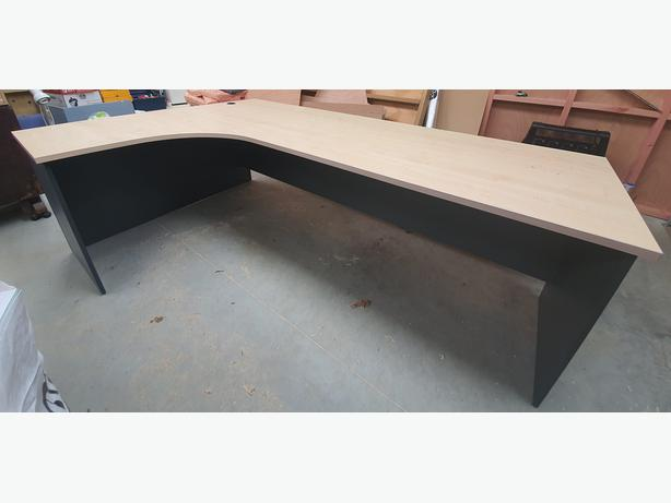 large corner workstation desk. john good used desks