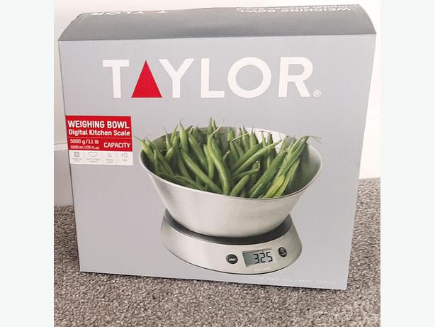 Taylor Digital Kitchen Scale W. Stainless Steel Bowl & 5kgx1g Capacity (387744A)