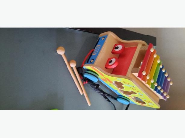 bus xylophone...