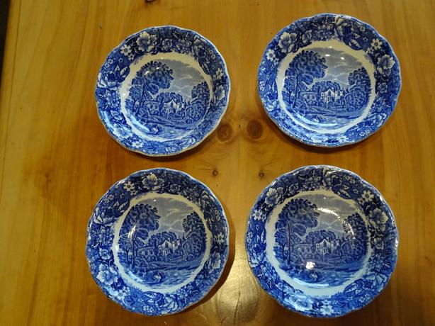 Four (4) Strawberry Hill, Thames River Scenes Palissy Bowls