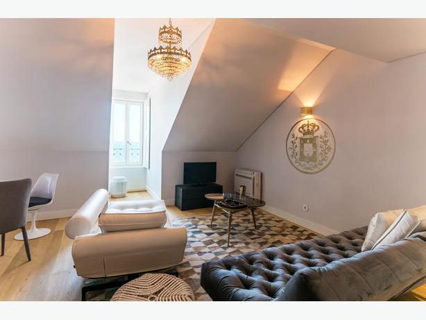 I am renting a beautiful apartment