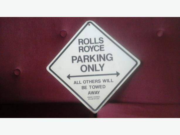 rolls royce sign
