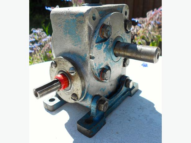 Andrews and Bevan (Christchurch) speed reducing gearbox