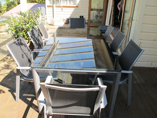 8-Seater GLASS TOP TABLE Dunedin, www - MOBILE