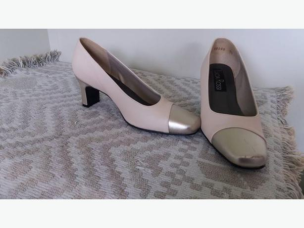 Cream & Gold Wedding Shoes Size 7 1/2