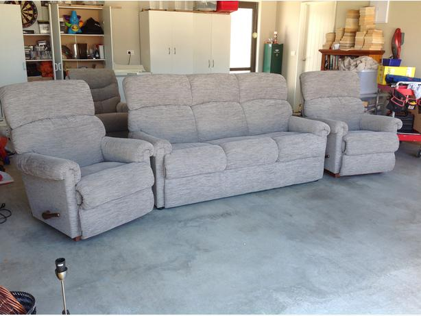 3 seater setee with 3 matching Lazy Boy chairs