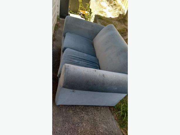 FREE: 2 seater couch