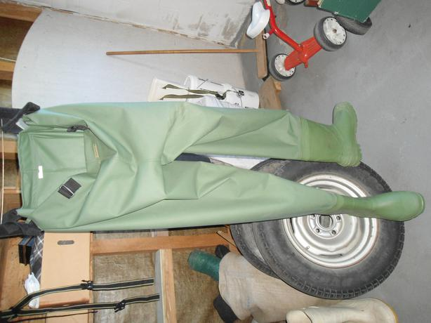 size 12 pvc chest high waders