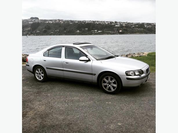 Volvo S60 2002 - Awesome condition!