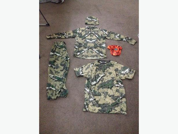 Hunters Element 4 piece fleece and Ridgeline blaze cap
