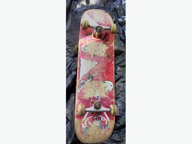 Skateboard - used