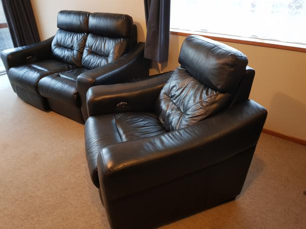 Electric leather lounge recliner