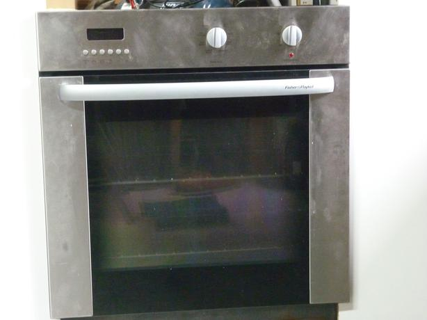 F&P Wall Oven