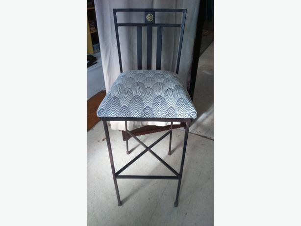 Set of 4 Metal Upholstered Bar Stools with Back rest