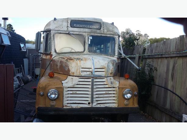 Classic Bus 1950 Layland Comet