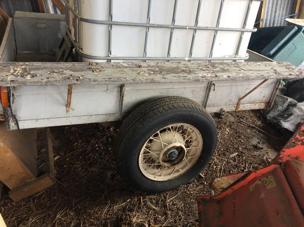 Classic Wire Wheeled Retro Trailer