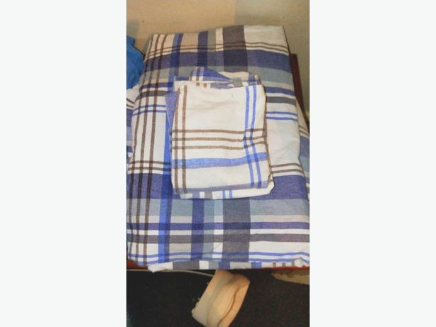 Queen size flannelette sheet set