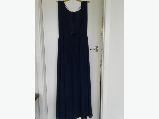 FULLY LINED SIZE 16 NAVY CHIFFON BEADED WAIST GOWN