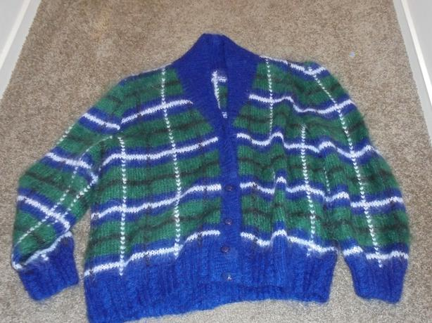 Woman's Knitted Cardigan